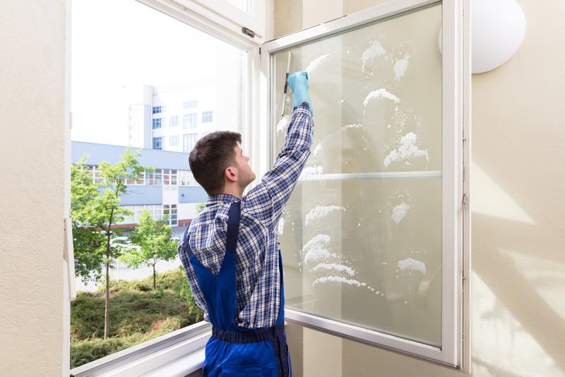 Fensterreinigung – was fällt eigentlich alles darunter